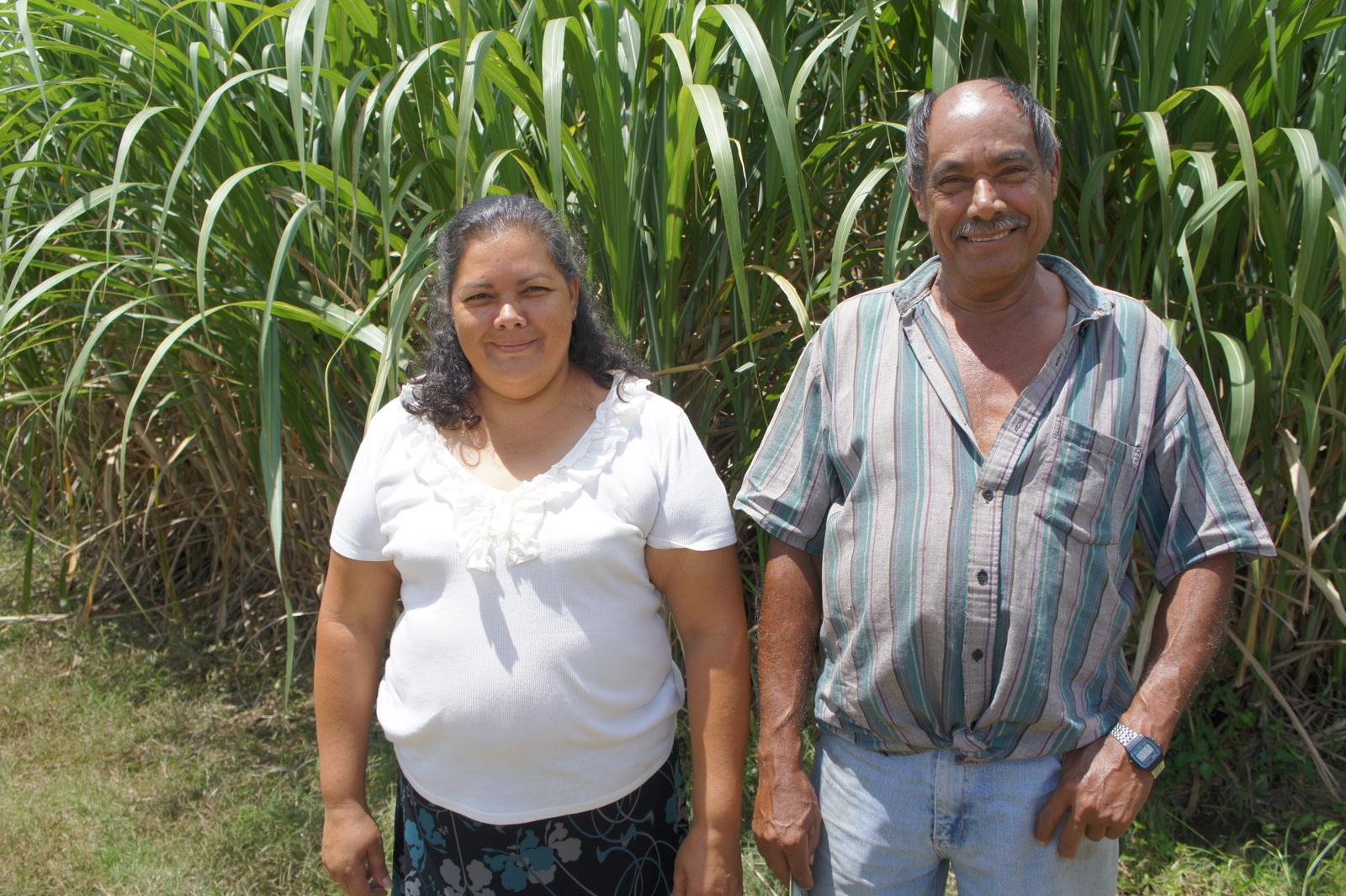 Yamilet Oconitrillo Salas y su padre.