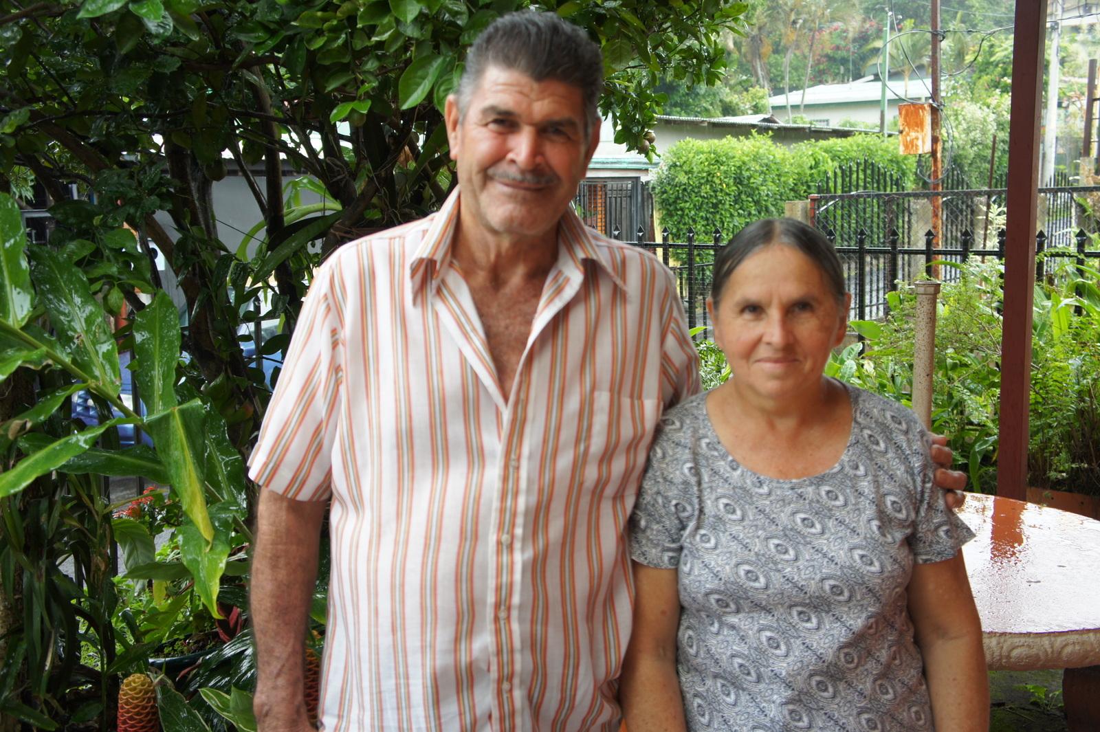 Egidio Ruíz Álvarez y Esposa